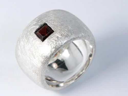 Silberring Rubin